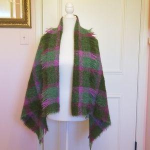 CUSBENDALE irish plaid shawl